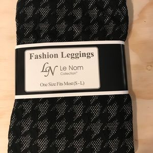 Pants - Houndstooth leggings one size fits most ( S-L)